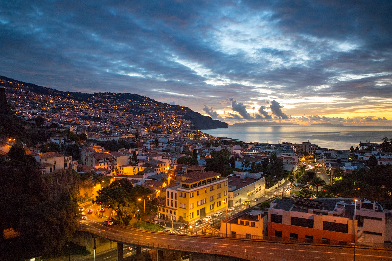 Conheça a Ilha da Madeira, destino que encanta seus turistas