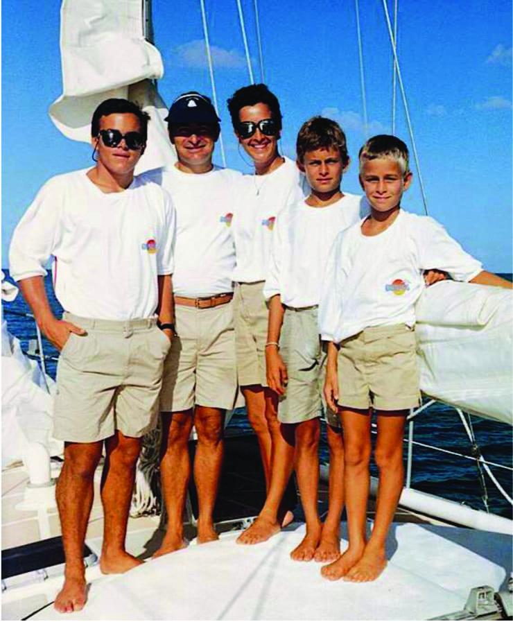 Família Schurmann a bordo para sua primeira volta ao mundo