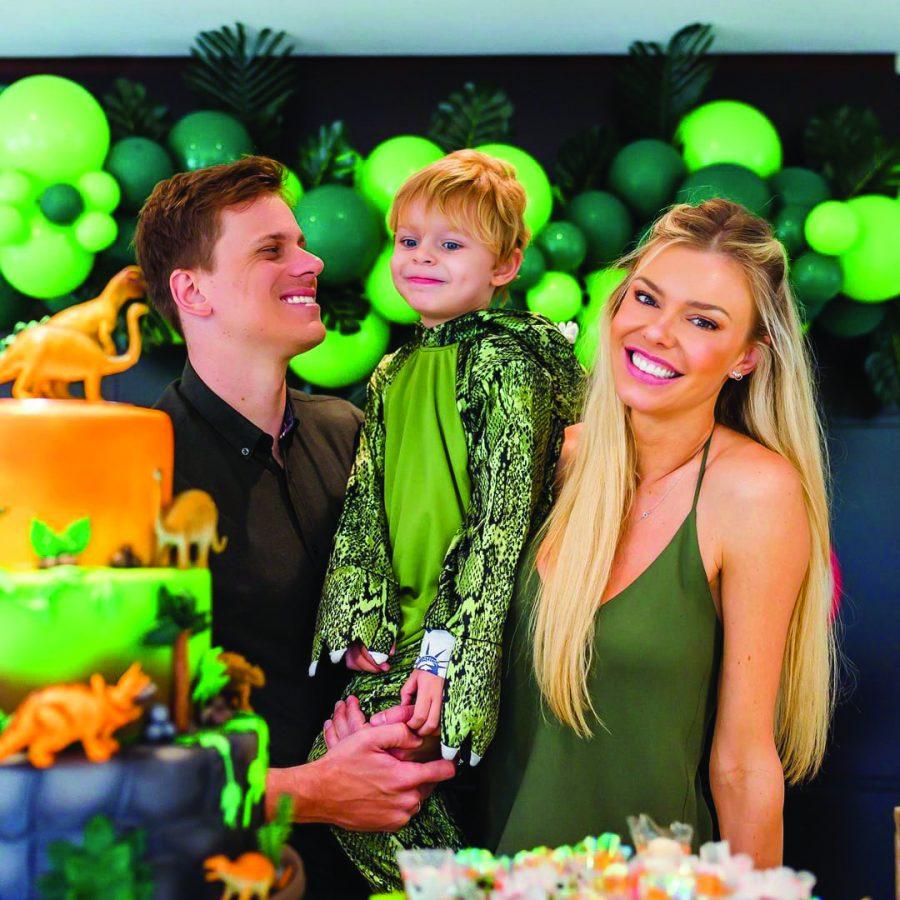 Cesar Cielo com sua esposa Kelly Gisch e o filho Thomas - Foto arquivo pessoal