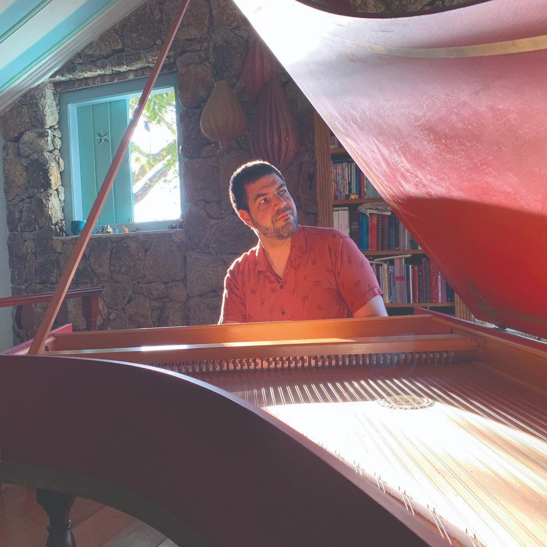 Rádio Vozes: André Mehmari e o Clube da Esquina