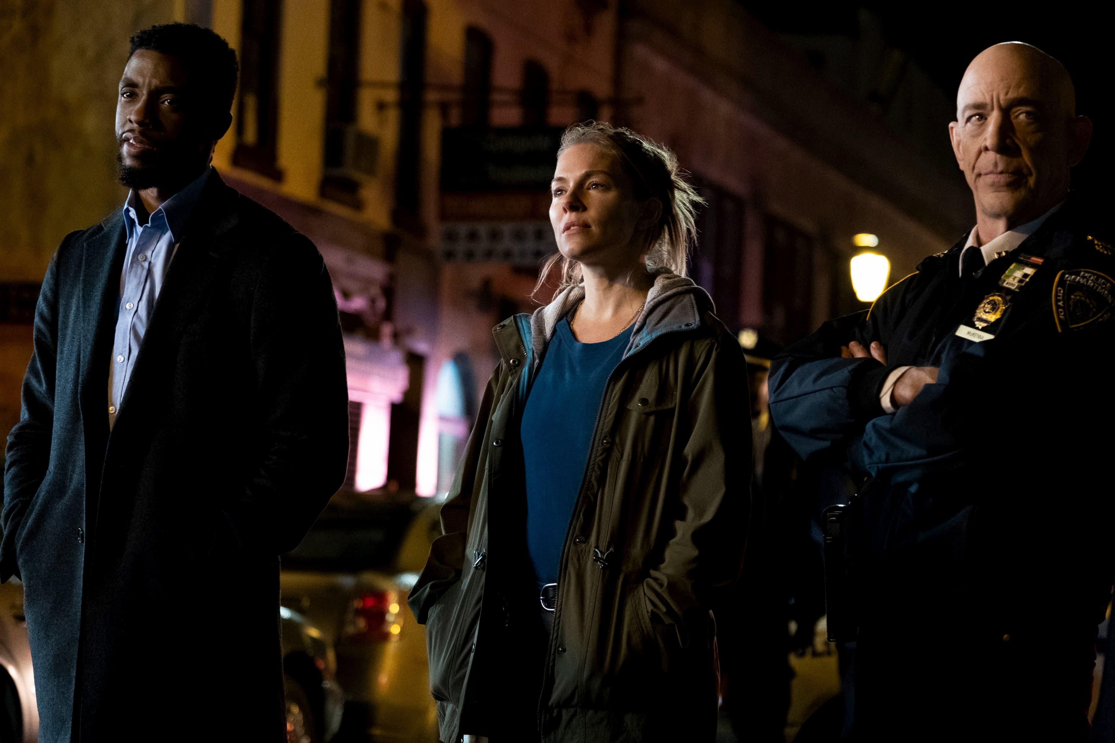 """A atriz britânica Sienna Miller fala do filme """"Crime Sem Saída"""", prestes a estrear no Brasil"""