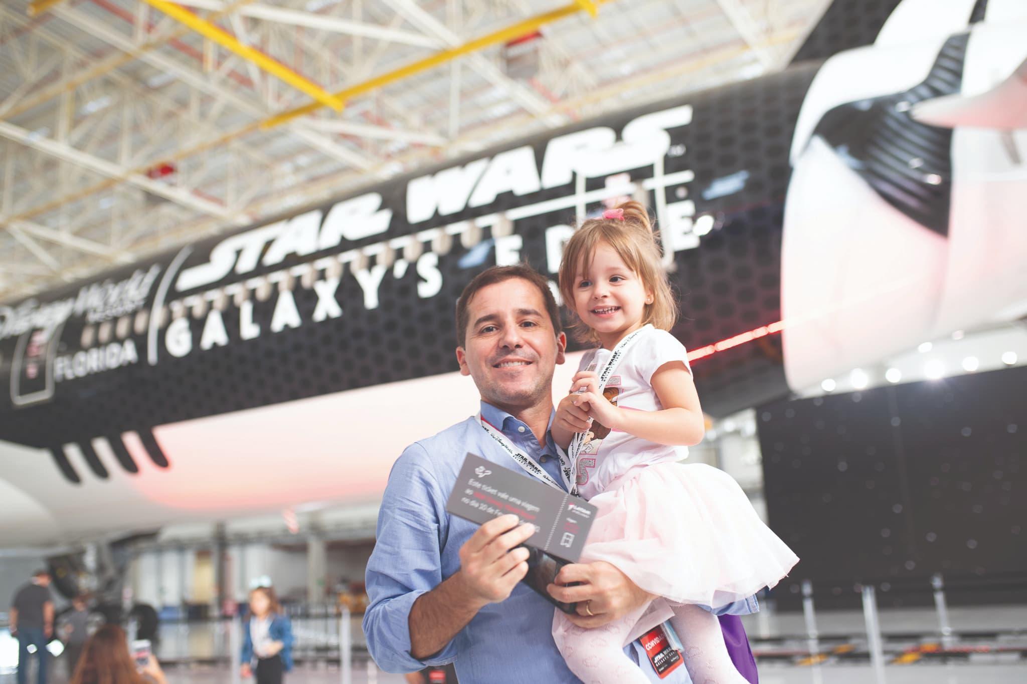 Área de Star Wars na Disney inspira adesivagem de avião da Latam