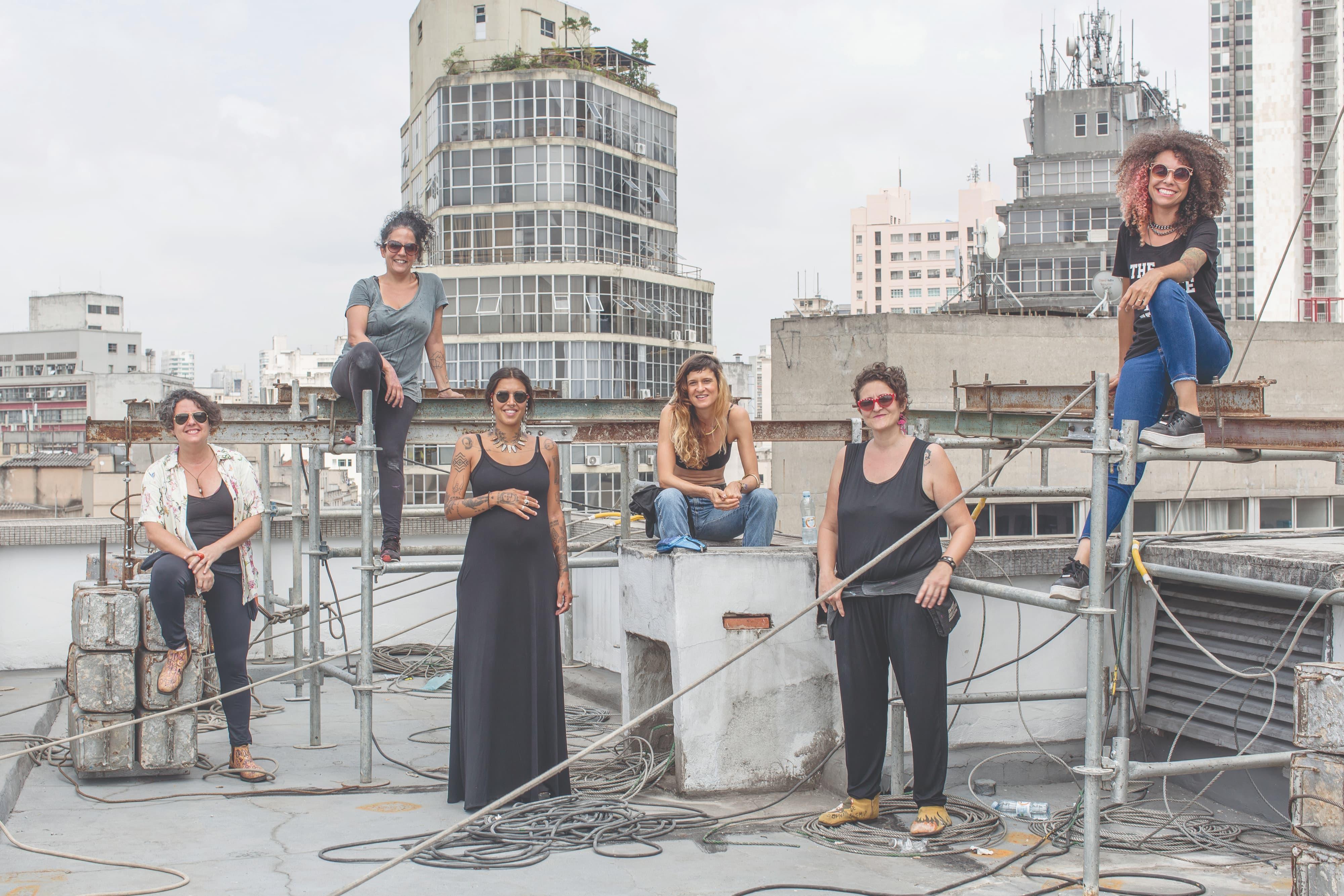 Artistas colorem o centro de São Paulo em homenagem a Tarsila de Amaral