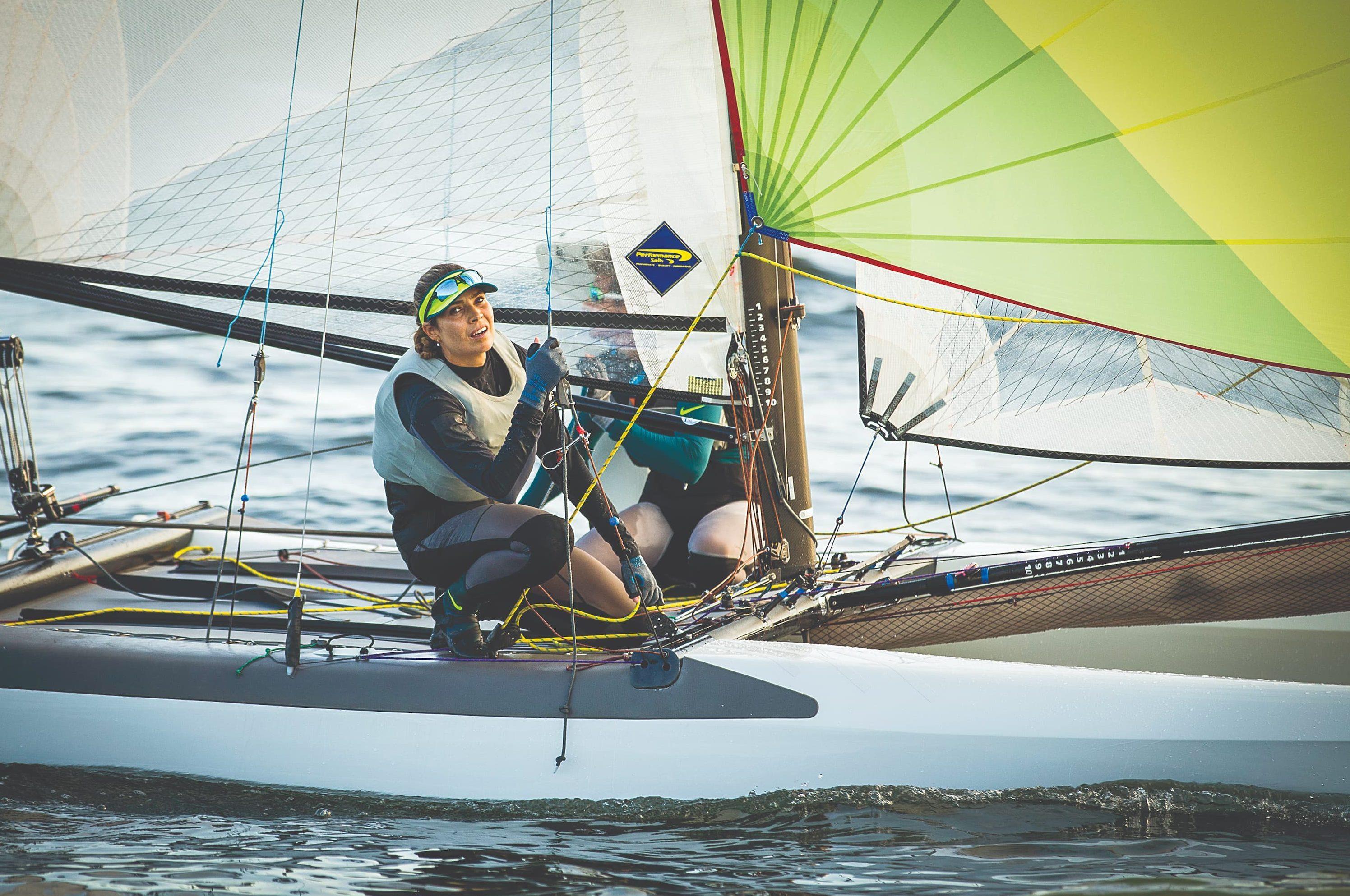 A velejadora olímpica Isabel Swan defende a preservação das águas e a participação de atletas na gestão esportiva