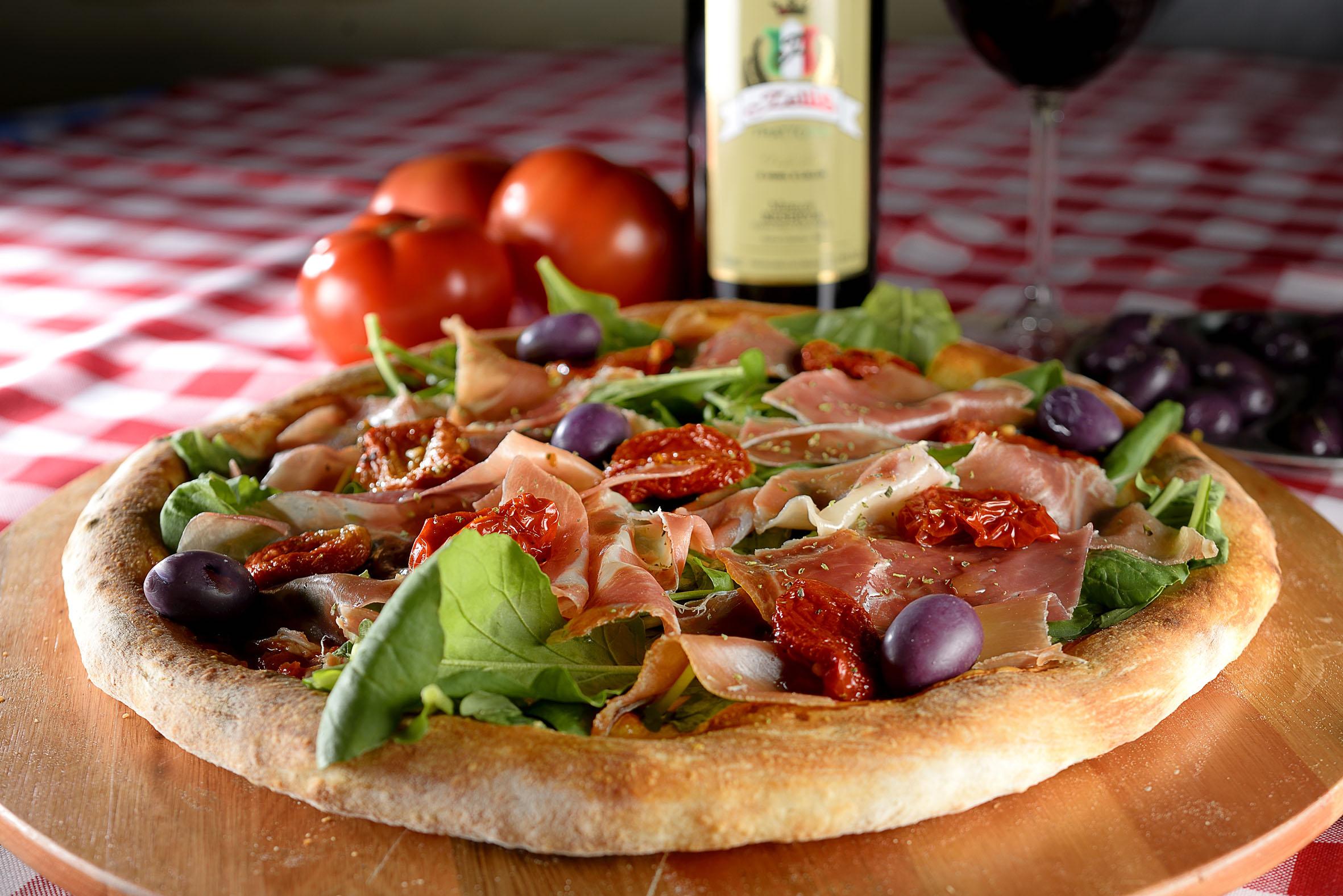 Sexta é dia de pizza: Conheça alguns delivery especiais