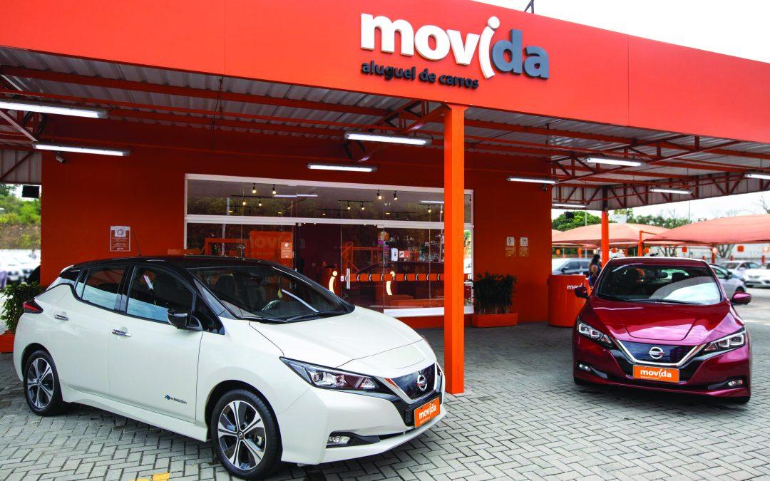 A Movida disponibiliza carro elétrico da Nissan para aluguel e reforça pilar sustentável