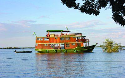 O turismo fluvial é uma maneira surpreendente de mergulhar em destinos naturais
