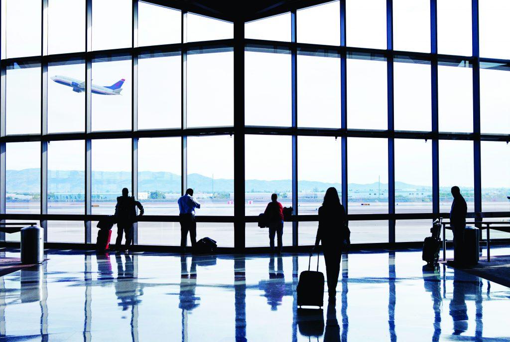 Passageiros no aeroporto - Foto divulgação Getty Images