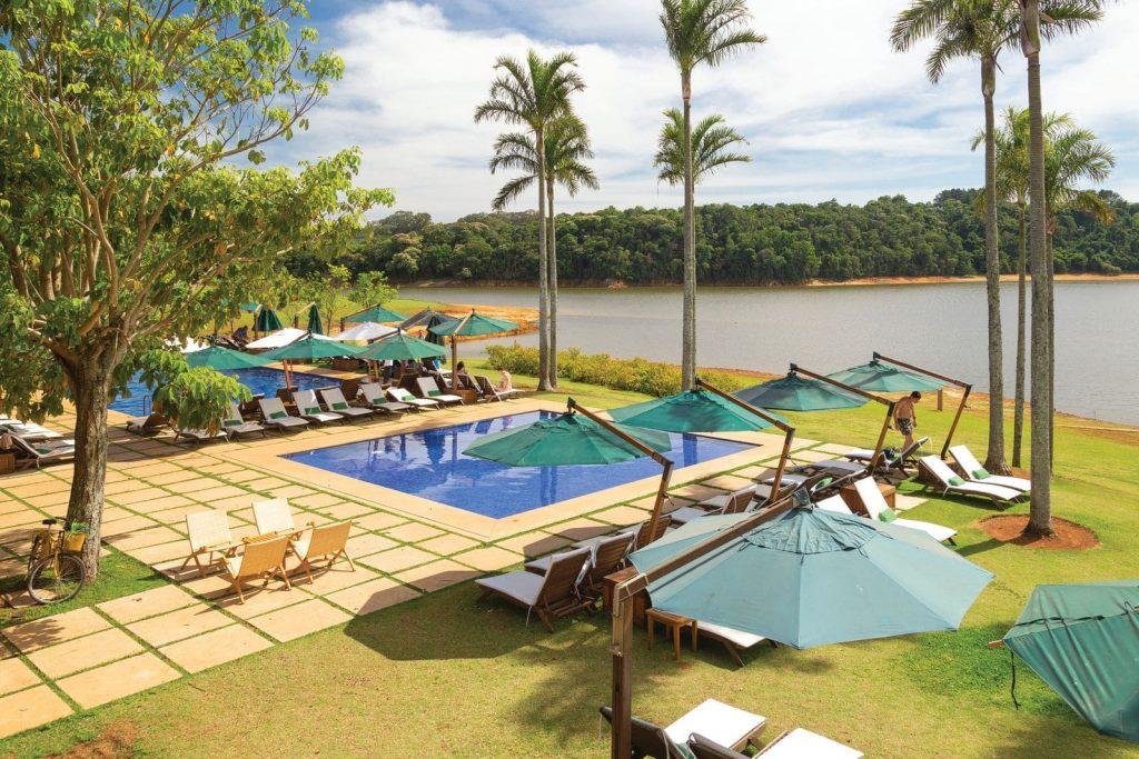 Piscina descoberta e climatizada do Clara Ibiúna Resort - Fotos: Cássio Vasconcelos | Divulgação